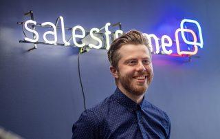 Salesframe: myyjän digitaalinen materiaalisalkku jättää enemmän aikaa myyntityöhön